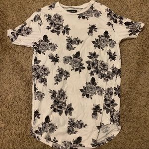 Pacsun flower scalloped shirt